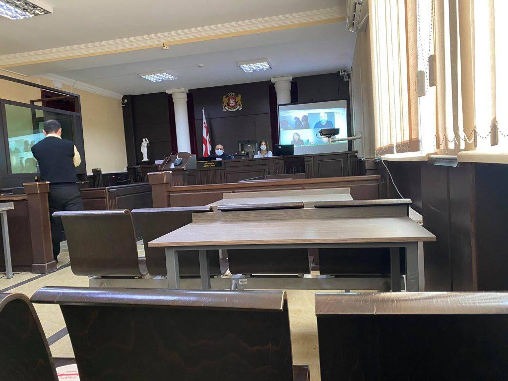 მცხეთის რაიონულ სასამართლოში შატილის გზაზე მომხდარი ავარიის საქმეზე დაკავებულებისთვის აღკვეთის ღონისძიების შეფარდებაზე მსჯელობენ