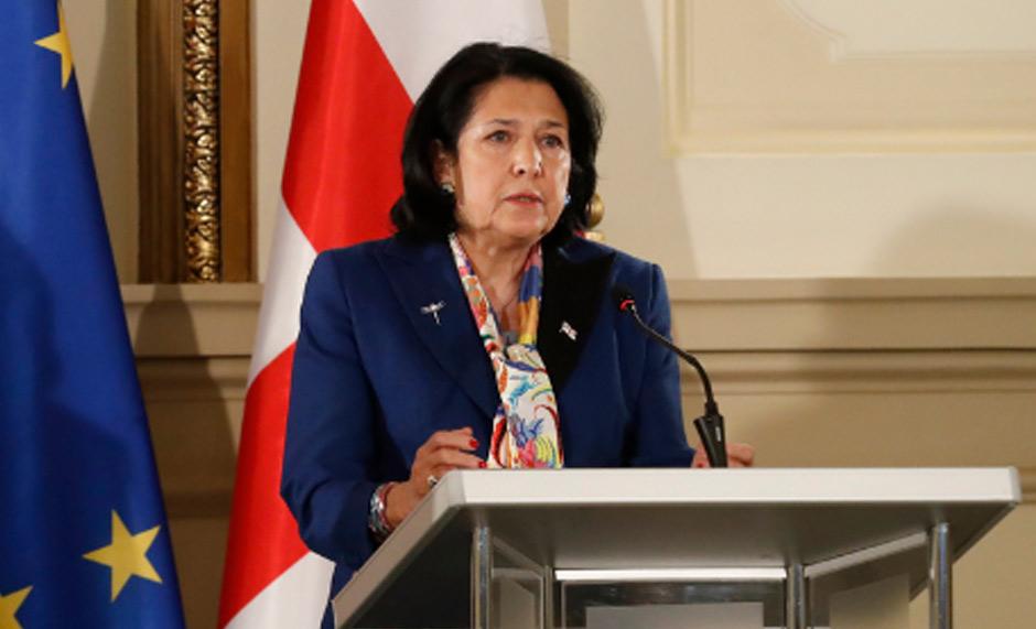 Саломе Зурабишвили - Акт о помиловании будет принят 27 апреля