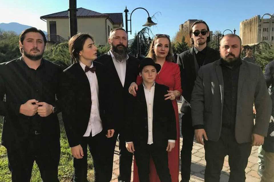 პიკის საათი - ვარდუკაძეების მრავალშვილიანი ოჯახი