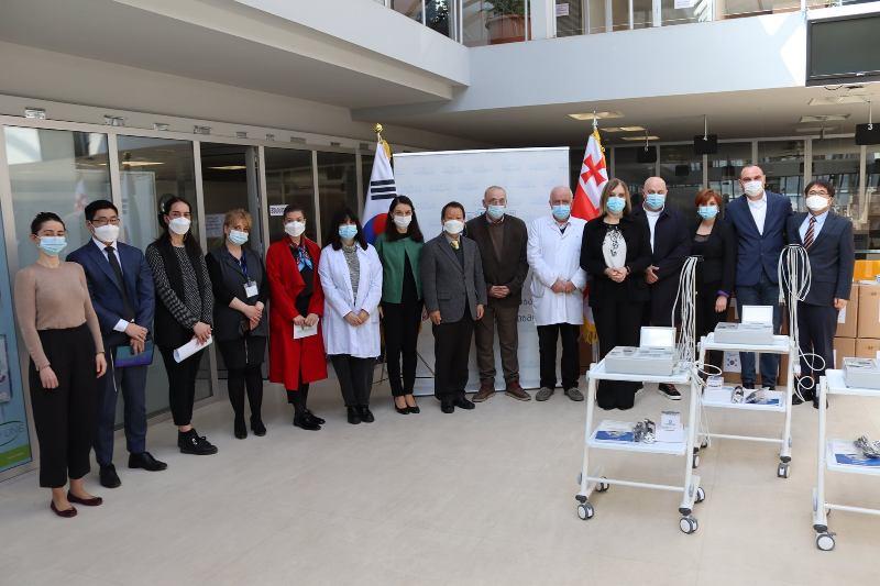 კორეის რესპუბლიკამ ჯანდაცვის სამინისტროს სამედიცინო ინვენტარი გადასცა