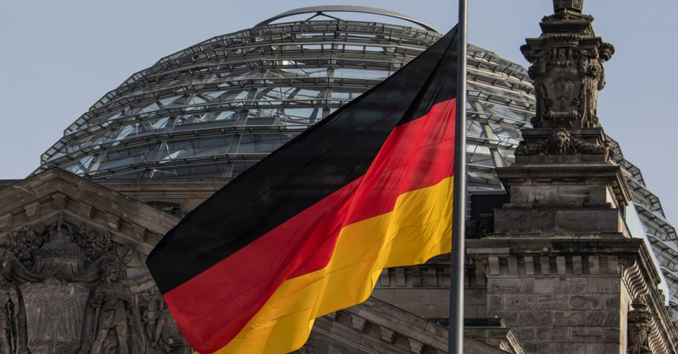 გერმანიაში კორუფციული სკანდალის გამო, ბოლო ერთი კვირის განმავლობაში თანამდებობას ანგელა მერკელის საპარლამენტო ფრაქციის მესამე დეპუტატი ტოვებს