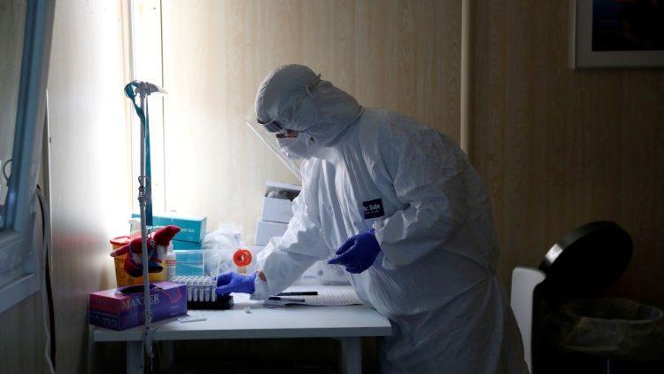Almaniyada son 24 saat ərzində koronavirusun 12 674 yeni halı aşkar edildi