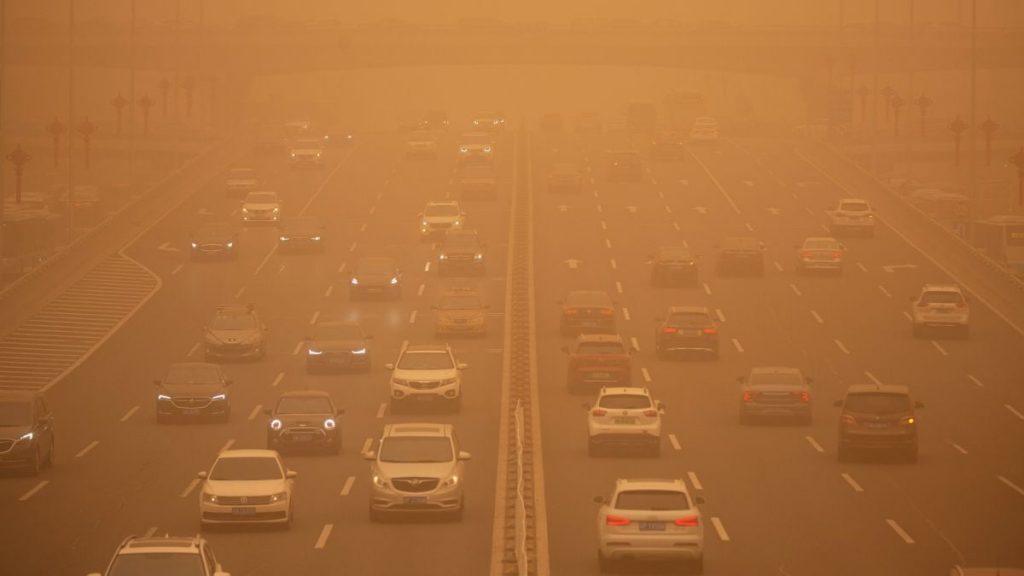 ჩინეთის დედაქალაქს ბოლო ათწლეულის განმავლობაში ყველაზე მასშტაბური ქარიშხალი დაატყდა თავს