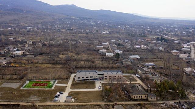საოკუპაციო ხაზთან მდებარე სოფელ პატარა მეჯვრისხევში ახალი სკოლის მშენებლობა დასრულდა