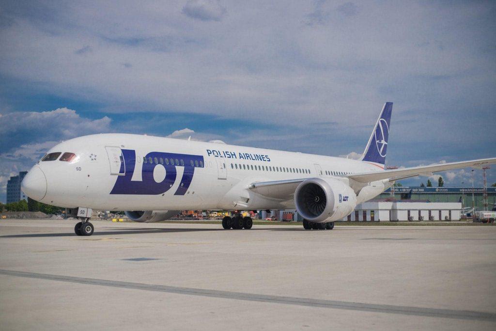Регулярное авиасообщение между Грузией и Польшей возобновится с 28 марта