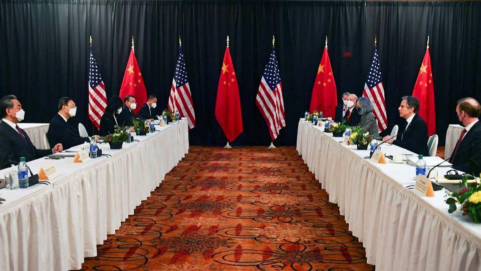 """""""პოლიტიკო"""" - ჩინეთმა და აშშ-მა ალასკაზე შეხვედრა არადიპლომატიური სიტყვების ომით დაიწყეს"""