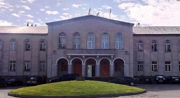 თერჯოლის მუნიციპალიტეტის საკრებულოს თავმჯდომარემ და მისმა მოადგილემ თანამდებობები დატოვეს
