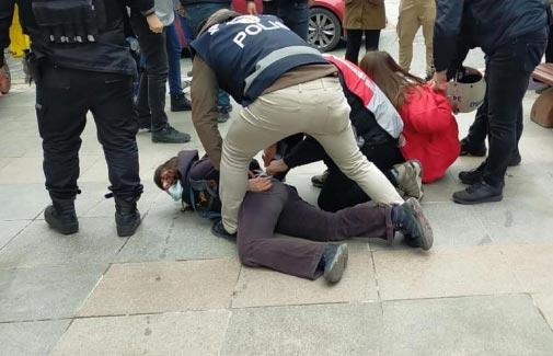 უნივერსიტეტის რექტორის დანიშვნის წინააღმდეგ გამართულ დემონსტრაციაზე სტამბოლში პოლიციამ ათობით სტუდენტი დააკავა