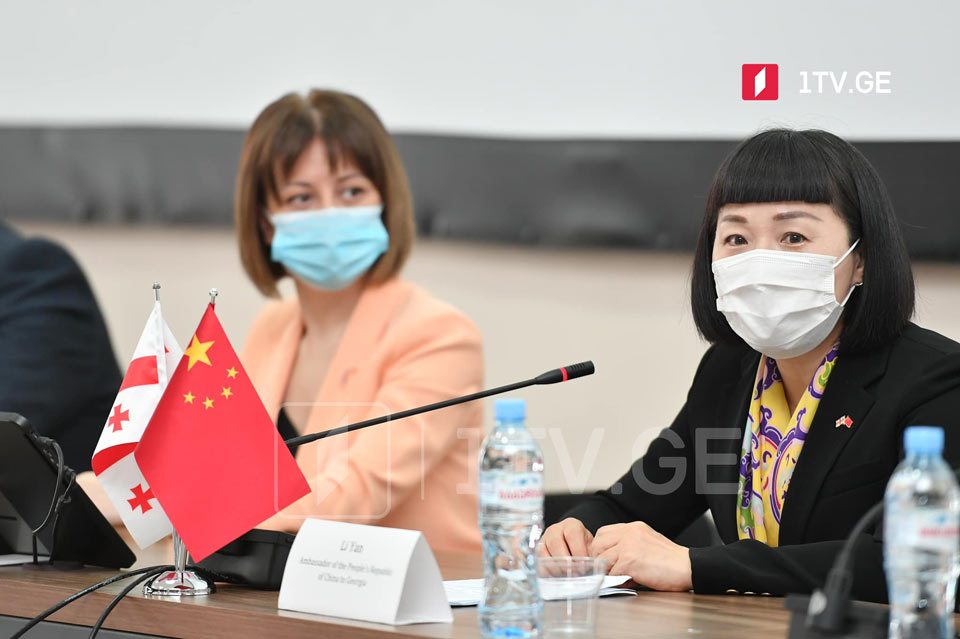 """ჩინეთის ელჩი - """"სინოფარმის"""" 100 მილიონზე მეტი დოზა უკვე გამოყენებულია და სერიოზული გვერდითი ეფექტები არ მოჰყოლია"""