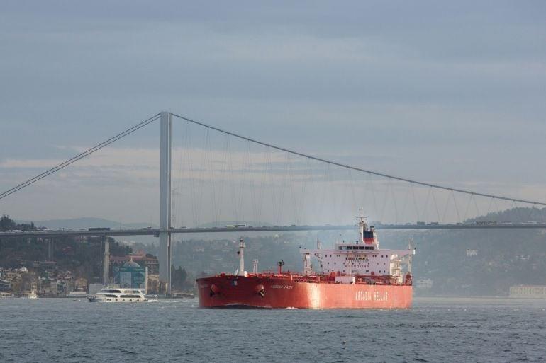 В Турции задержали 10 отставных адмиралов за критику правительства и поддержку конвенции Монтрё