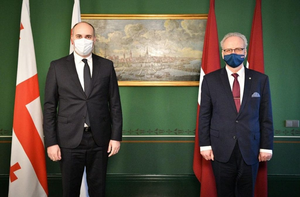 საქართველოს თავდაცვის მინისტრი ლატვიის პრეზიდენტს შეხვდა