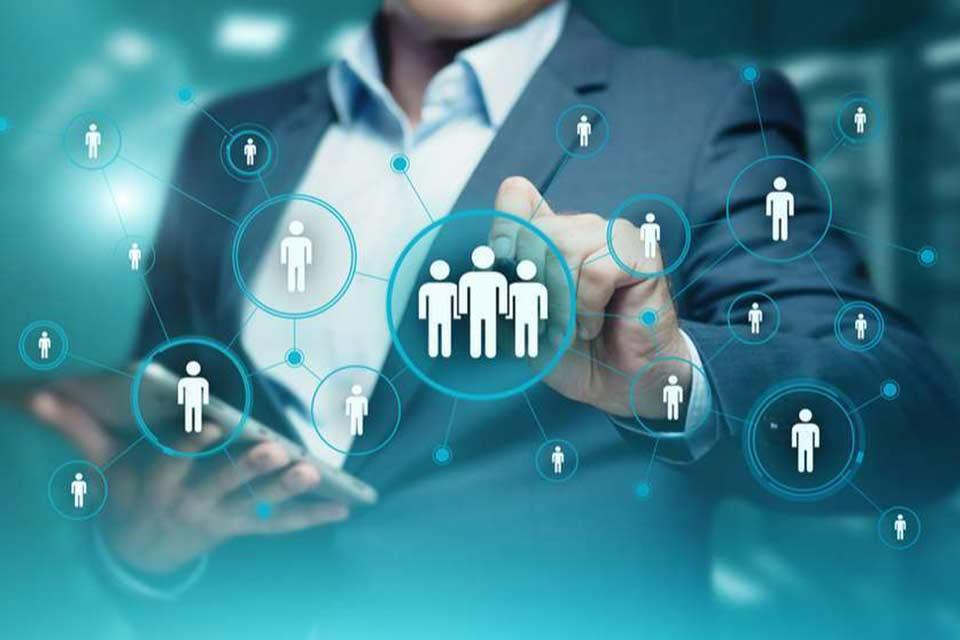 ბიზნესპარტნიორი - ბიზნესი დედოლარიზაციის პოლიტიკის გადახედვას ითხოვს