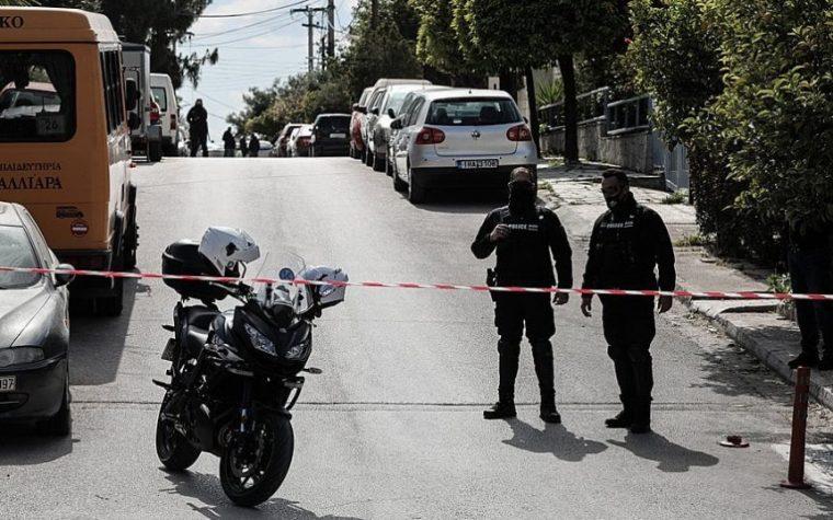 ათენში ცნობილი ბერძენი ჟურნალისტი საკუთარ სახლთან მოკლეს
