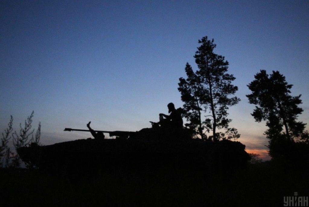 Власти Украины заявляют, что российско-оккупационные войска обстреливают позиции украинских сил с целью последующего обвинения в нарушении режима прекращения огня