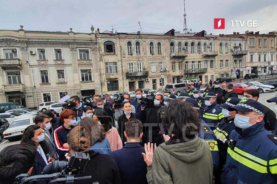 Представители бизнес-сектора проводят митинг перед зданием администрации правительства Грузии