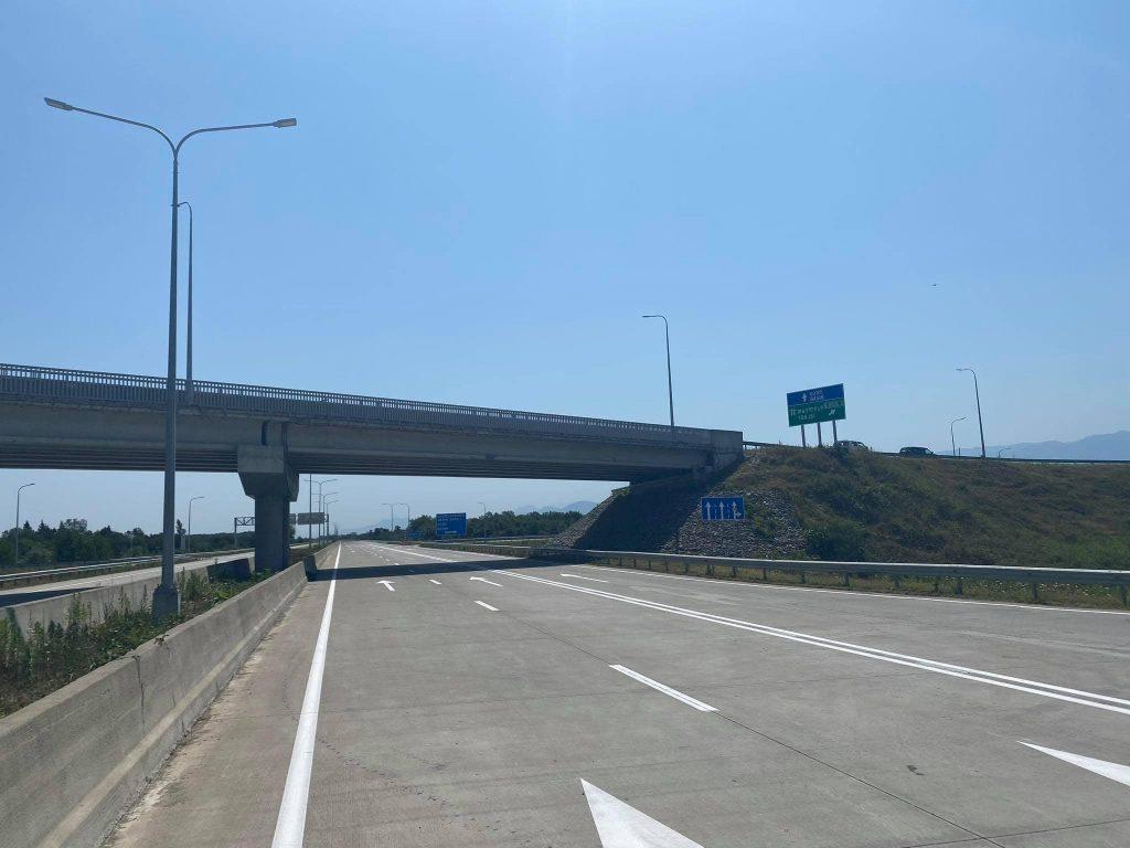 თბილისი-სენაკი-ლესელიძის საავტომობილო გზის მონაკვეთზე დღეს, 17:00 საათიდან გზის ორზოლიანი მოძრაობა ერთ ზოლში გადაერთვება