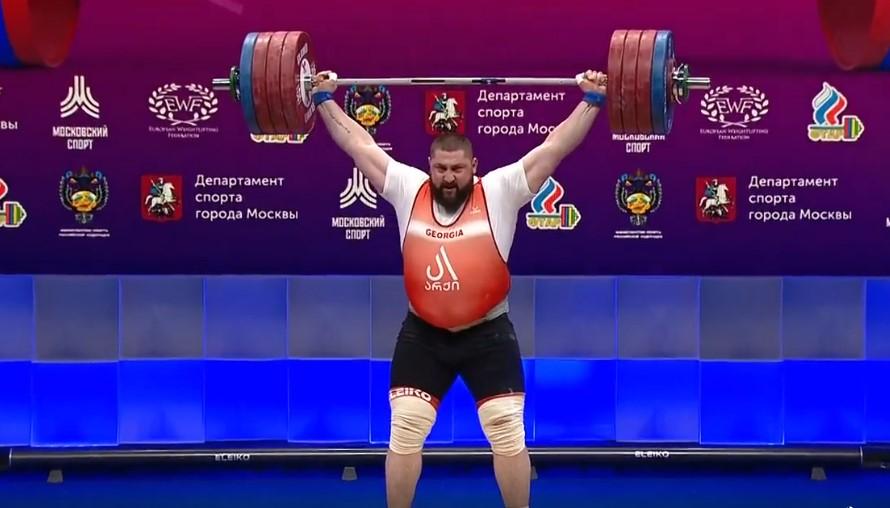 Georgian weightlifter Lasha Talakhadze sets new world recordbysnatching 222kg