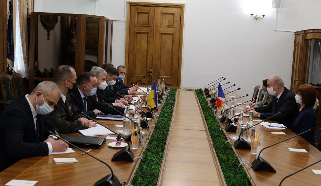 უკრაინის თავდაცვის მინისტრი არ გამორიცხავს, რომ რუსეთი უკრაინაში 2008 წლის ქართული სცენარის განხორციელებას გეგმავდეს
