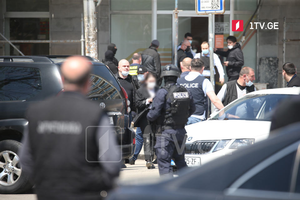 Interior Ministry: Attacker on the Bank of Georgia took seven people hostage