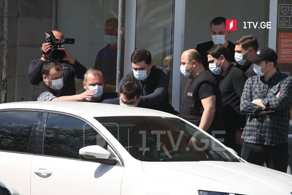 Ձերբակալվել է «Վրաստանի բանկի» մասնաճյուղ ներխուժած  զինված անձը, պատանդներն ազատ են արձակվել