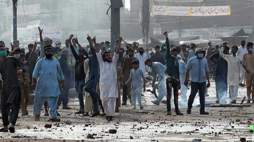 პაკისტანმა სოციალური მედიის პლატფორმები მასობრივი საპროტესტო აქციების ფონზე შეზღუდა