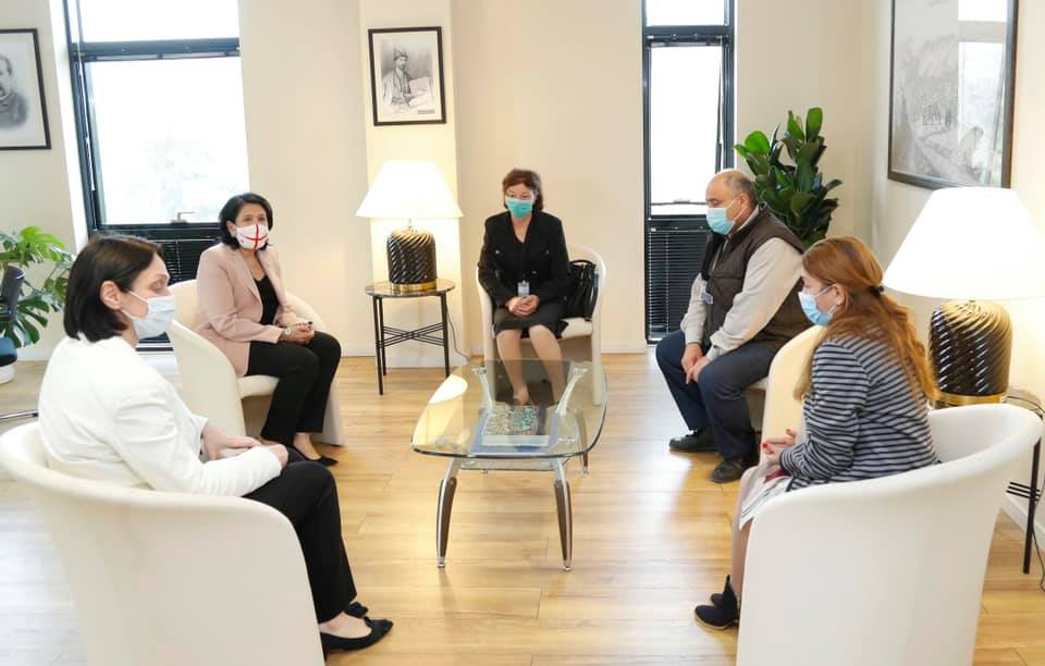 Президент Грузии встретилась с семьёй Зазы Гахеладзе