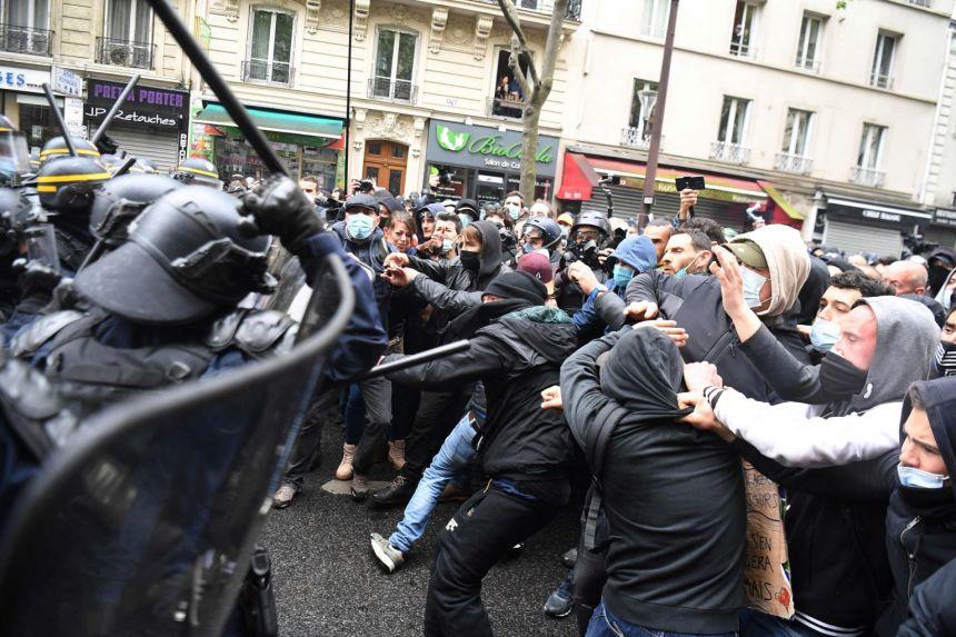 პოლიციამ პარიზში პირველ მაისთან დაკავშირებულ დემონსტრაციაზე 46 ადამიანი დააკავა