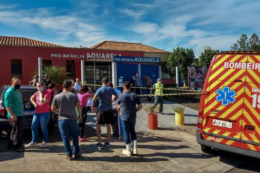 ბრაზილიაში საბავშვო ბაღზე თავდასხმის შედეგად ხუთი ადამიანი გარდაიცვალა, მათ შორის სამი მცირეწლოვანი