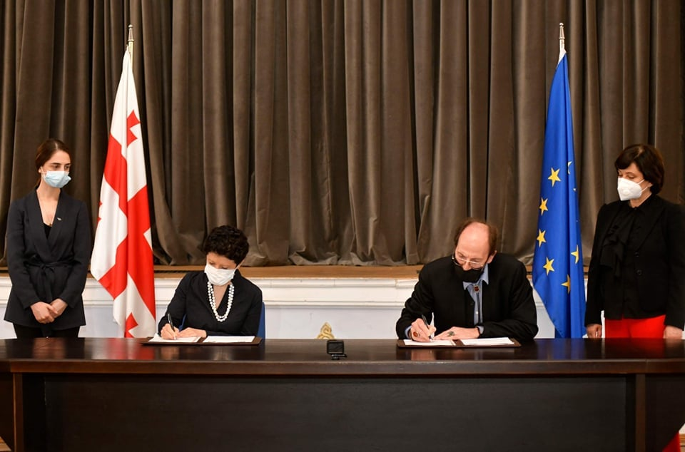 Culture Ministry and Theatre Society ink Memorandum