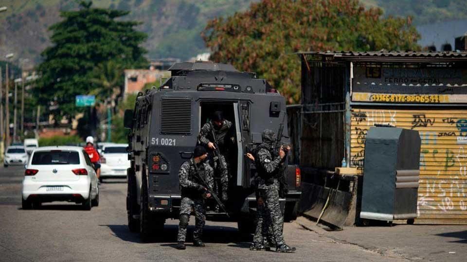 რიო-დე-ჟანეიროს ერთ-ერთ უბანში პოლიციის ოპერაციის დროს 25 ადამიანი დაიღუპა