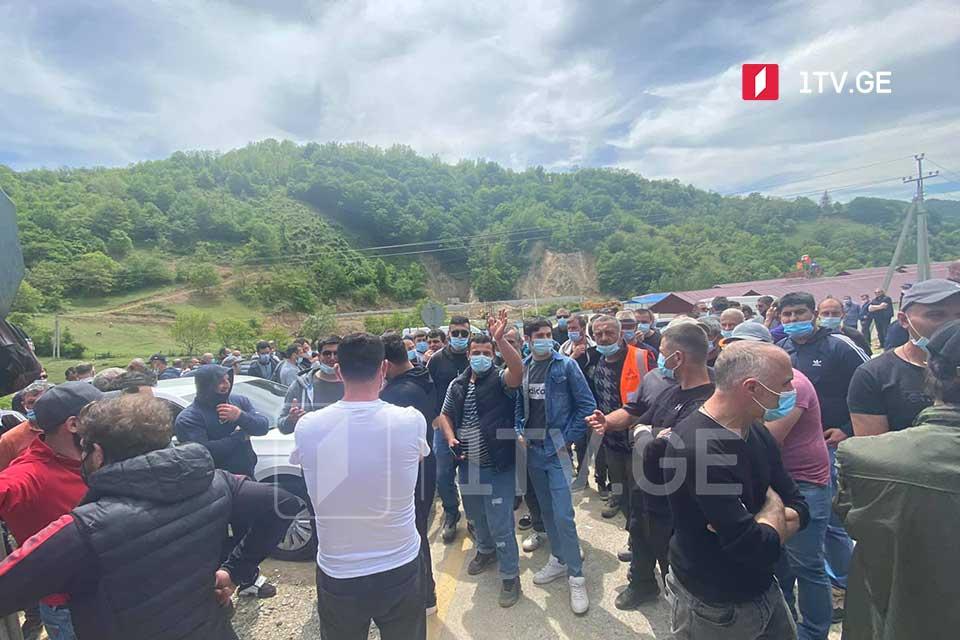 Пятый день забастовки рабочих, занятых на строительстве автобана