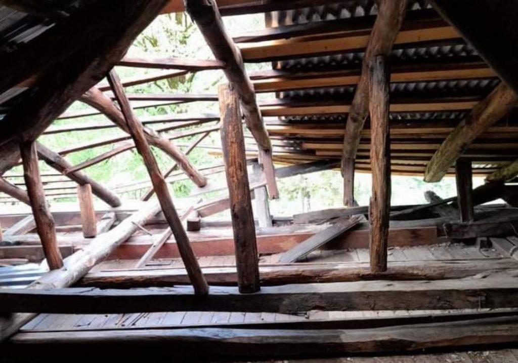 ძლიერმა წვიმამ და ქარმა ჩოხატაურის მუნიციპალიტეტში პრობლემები შექმნა