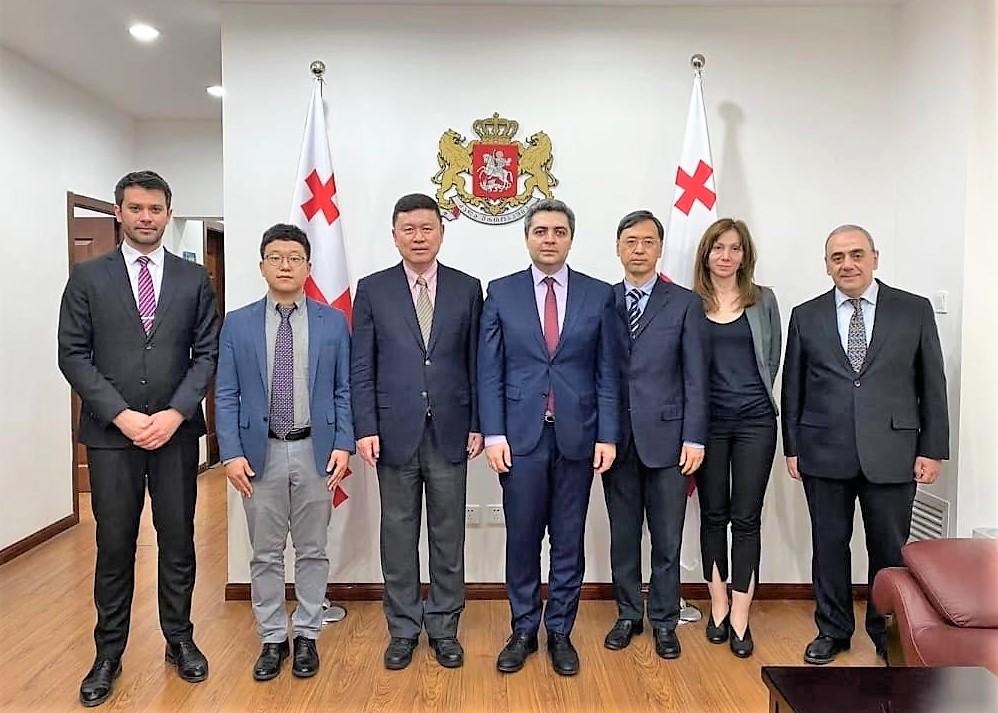 Չինաստանում Վրաստանի դեսպանը հանդիպել է «Սինոֆարմի» փոխնախագահի հետ