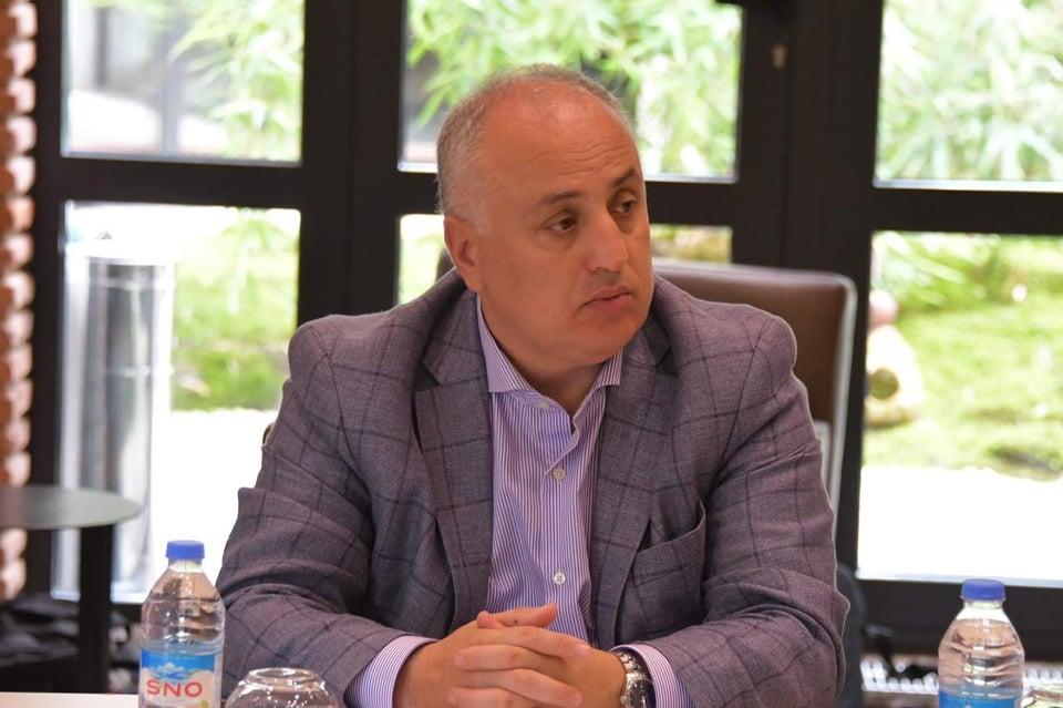 """დიმიტრი ხუნდაძე - ორი თვეა, გიორგი გახარიას გუნდს """"ქართული ოცნება"""" არ მოსწონს, არ გამოვრიცხავ, ზოგიერთი მათგანი თანამდებობას აჟიოტაჟის შესაქმნელად ტოვებდეს"""