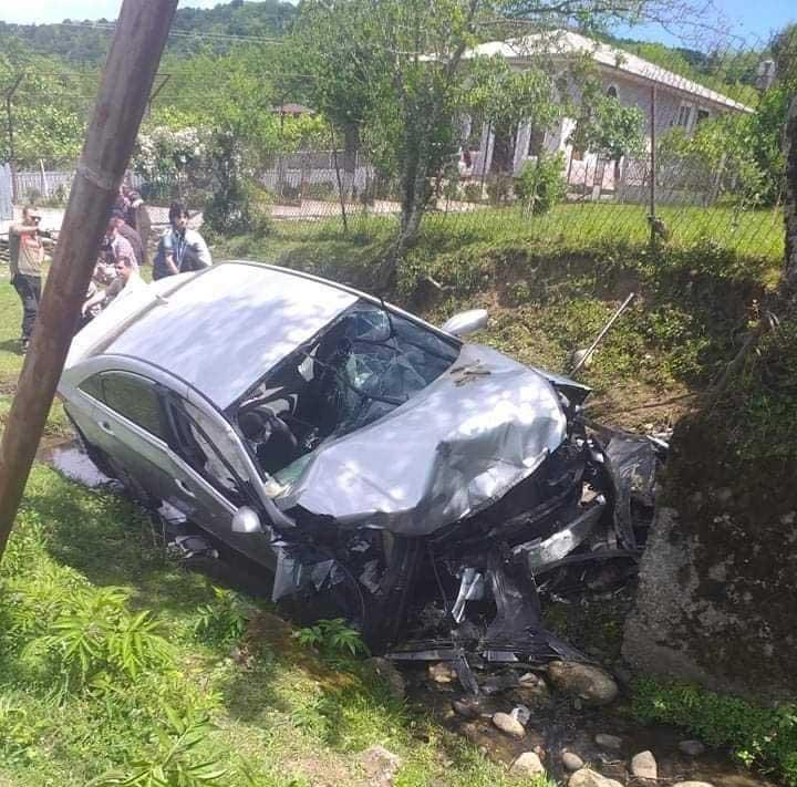 წალენჯიხაში ავტოსაგზაო შემთხვევის შედეგად ოთხი ახალგაზრდა დაშავდა