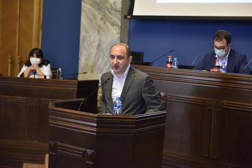 ირაკლი ლექვინაძემ პარლამენტის დარგობრივი ეკონომიკისა და ეკონომიკური პოლიტიკის კომიტეტის სხდომაზე საქმიანობის ანგარიში წარადგინა