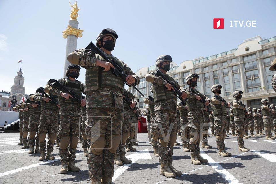 На площади Свободы идет подготовка к 26 мая [фото]