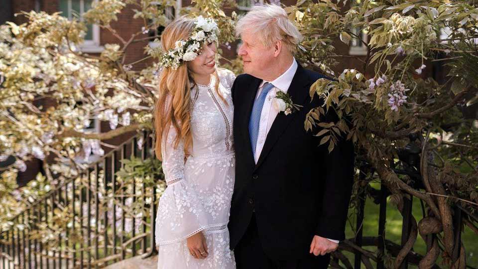დიდი ბრიტანეთის პრემიერ-მინისტრი ბორის ჯონსონი და მისი საცოლე კერი საიმონდსი დაქორწინდნენ