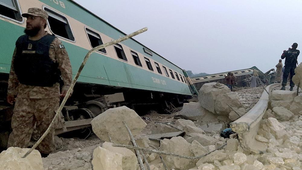 პაკისტანში სარკინიგზო ავარიას 36 ადამიანი ემსხვერპლა