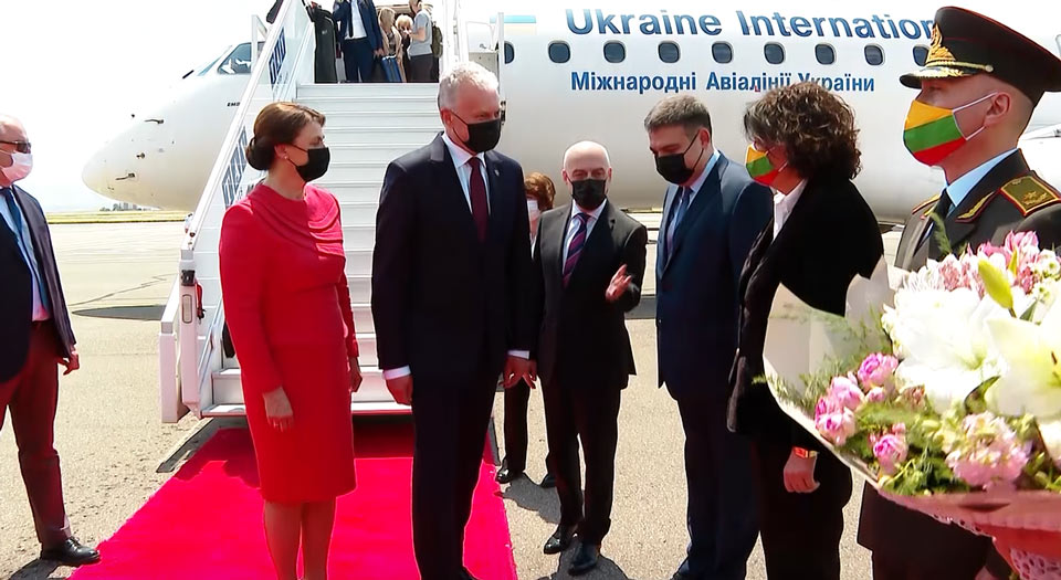 Lithuanian President arrives in Tbilisi