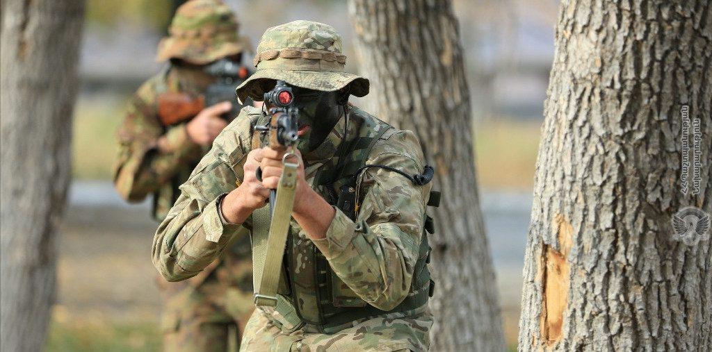 სომხური მედიის ინფორმაციით, ორმხრივი სროლის შედეგად, ერთი სომეხი და ორი აზერბაიჯანელი სამხედრო დაიჭრა
