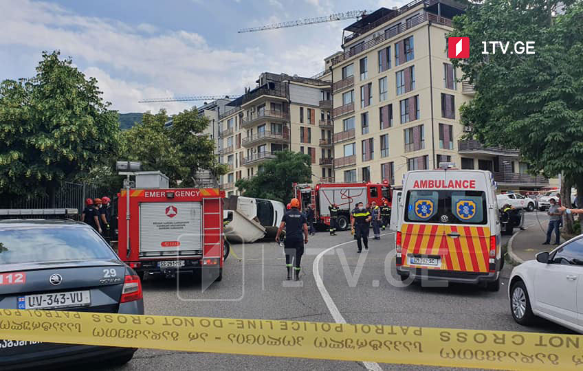One person killed, 8 injured in car accident at Krtsanisi Street