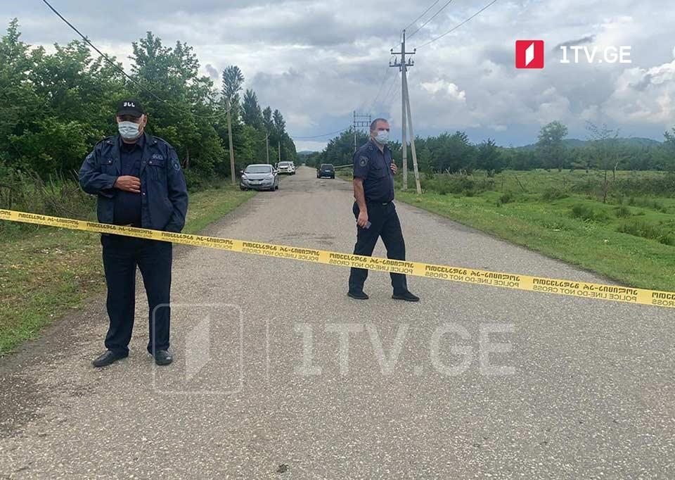 სენაკის მუნიციპალიტეტის სოფელ ხორშაში 50 წლამდე მამაკაცი ცეცხლსასროლი იარაღით დაჭრეს