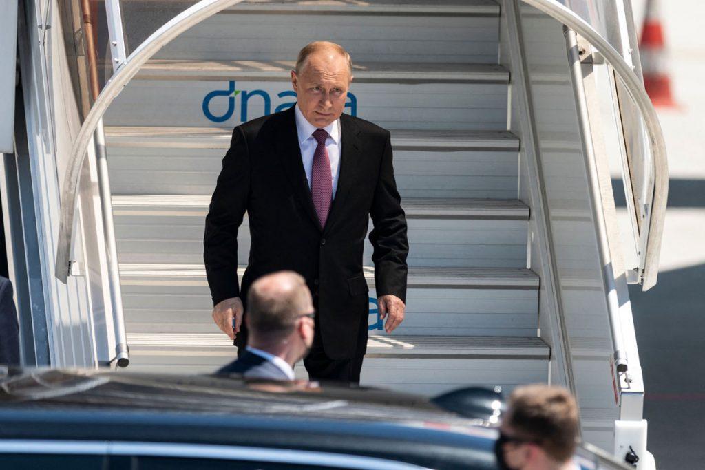 რუსეთის პრეზიდენტი ჟენევაში ჩავიდა