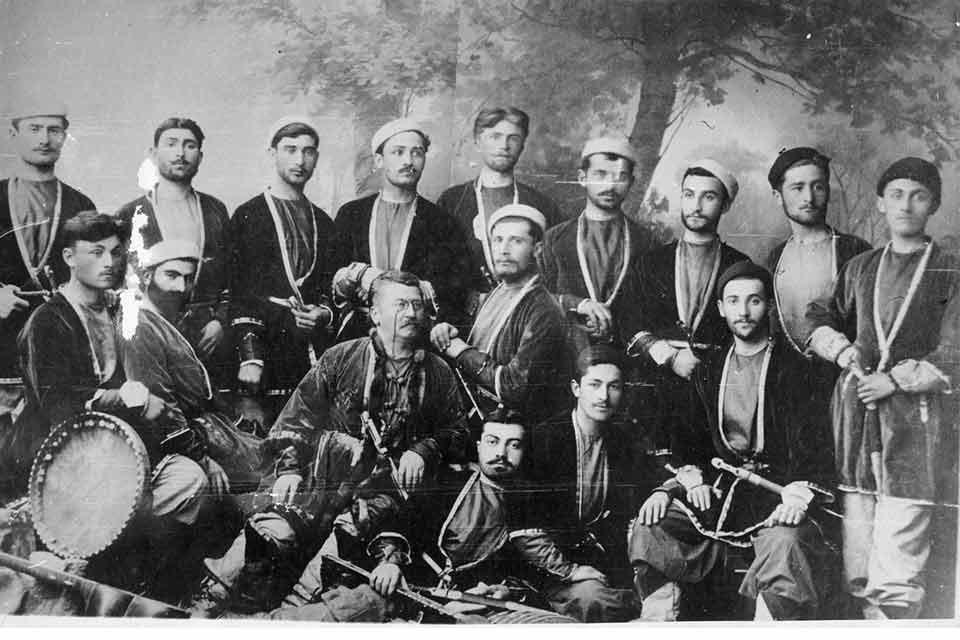 ჩაკრულო - ქართული ხალხური და საავტორო მუსიკა
