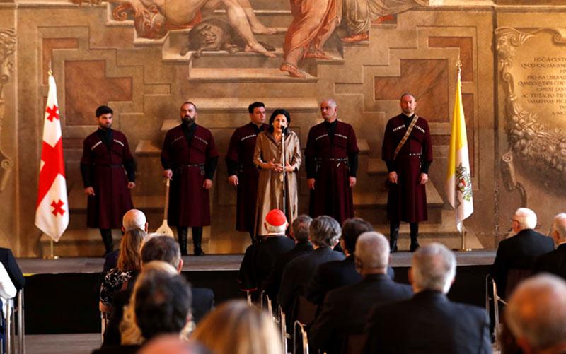 სალომე ზურაბიშვილი - დღეს ვატიკანში წარმოდგენილი მრავალხმიანი სიმღერა ქართული უნიკალური კულტურის ნაწილია, დარწმუნებული ვარ, რომ ამ სიმღერებით გასაგები გახდება, რა იყო, არის და იქნება საქართველო