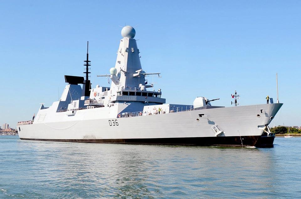 """რუსული მედია - რუსეთის შავი ზღვის ფლოტის სამხედრო გემმა შავ ზღვაში ბრიტანული სამხედრო ხომალდის, """"დეფენდერის"""" მიმართულებით გამაფრთხილებელი გასროლა განახორციელა"""