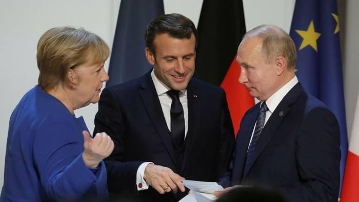 """""""ფაინენშალ თაიმსი"""" - ანგელა მერკელს სურს, ვლადიმერ პუტინი ევროკავშირის ლიდერების სამიტზე მიიწვიოს და აღნიშნულ ინიციატივას ემანუელ მაკრონიც უჭერს მხარს"""