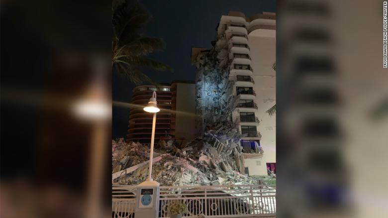 В Майами обрушилось многоэтажное здание