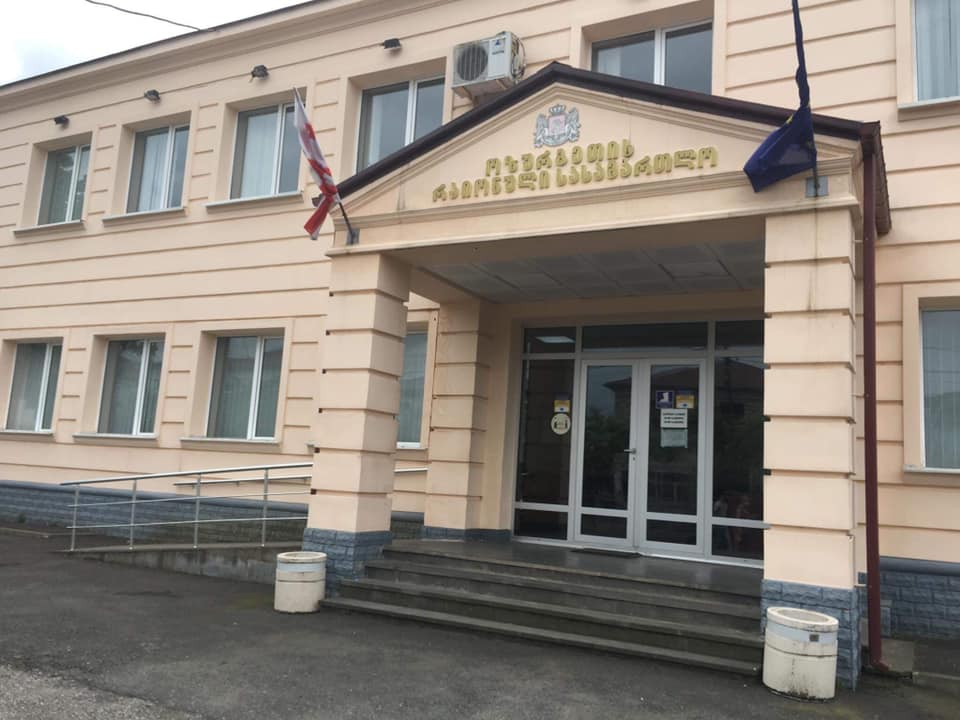 ურეკში პოლიციელებზე თავდასხმაში ბრალდებულების აღკვეთის ღონისძიებაზე ოზურგეთის სასამართლო დღეს იმსჯელებს